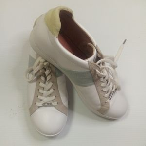 Bared White leather lace Up  Sneakers Size  41 (READ DESCRIPTION )